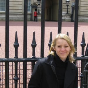 Anna in front of Buckingham Palace in London after her relocation.