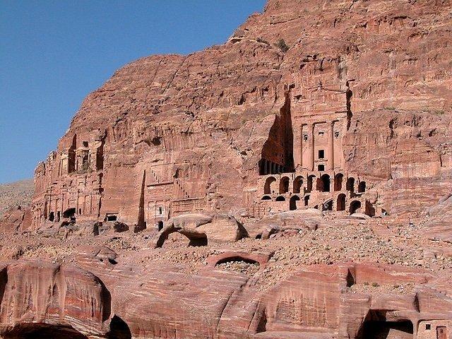 Petra Jordan caves history ruins temple