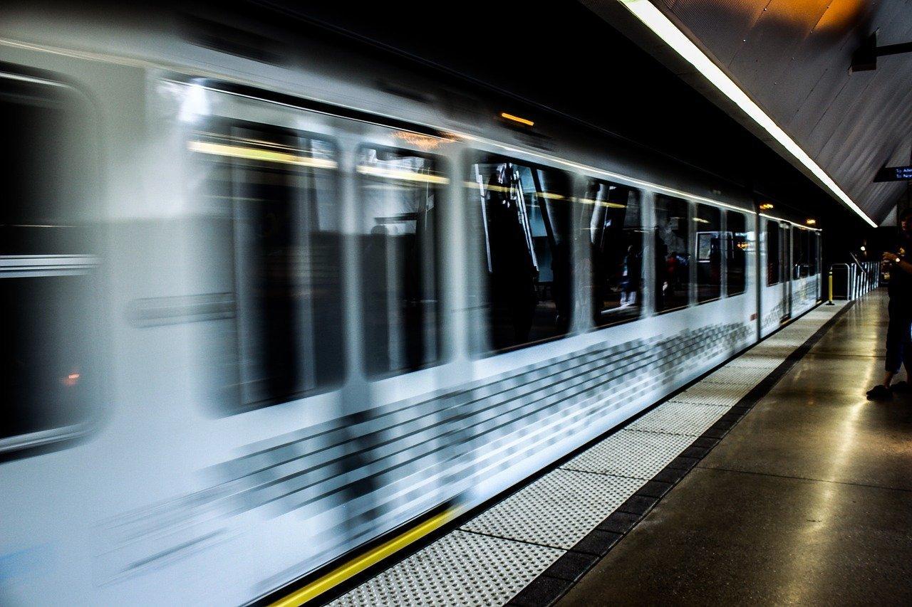 train-subway-station-travel