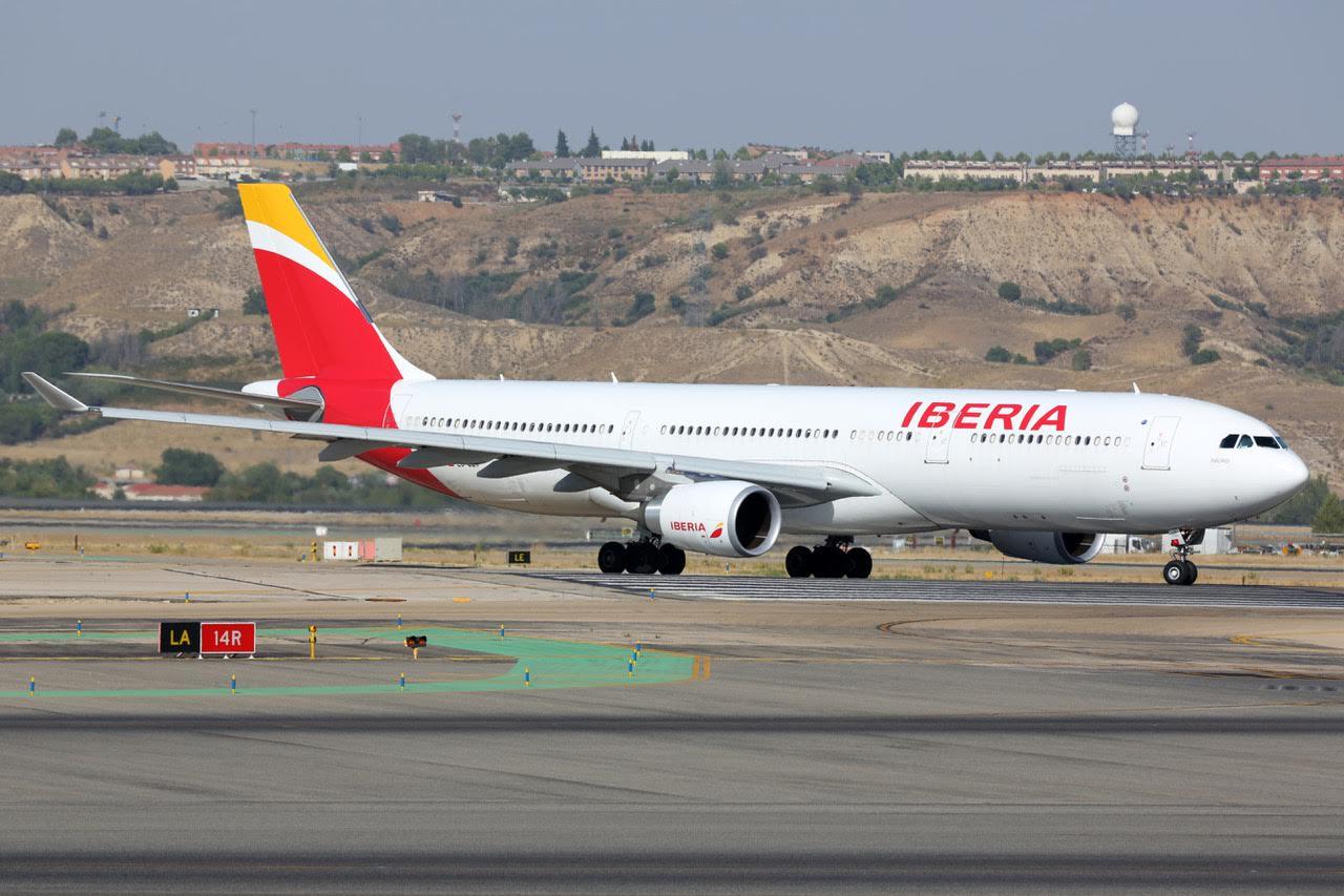 canceled flight paris travel abroad airplane landing tale board