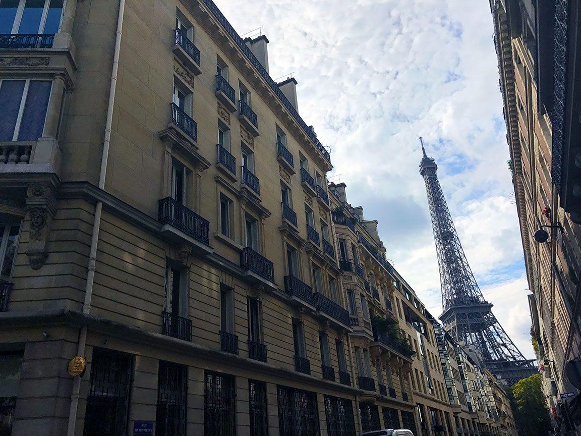 eiffel tower travel abroad tips paris france
