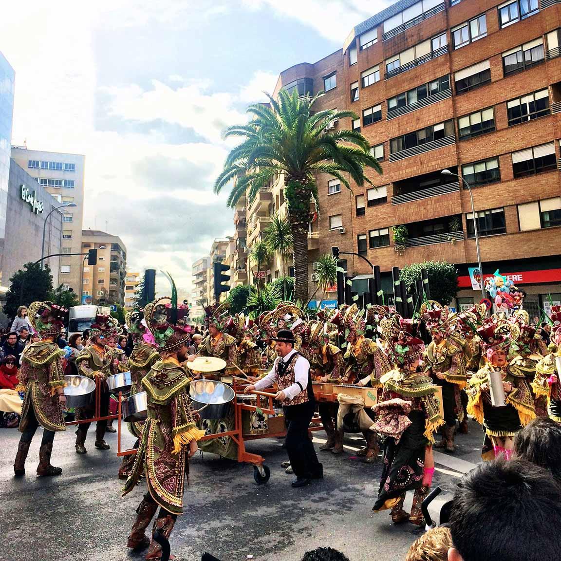 carnaval weekend badajoz la Universidad de extremadura