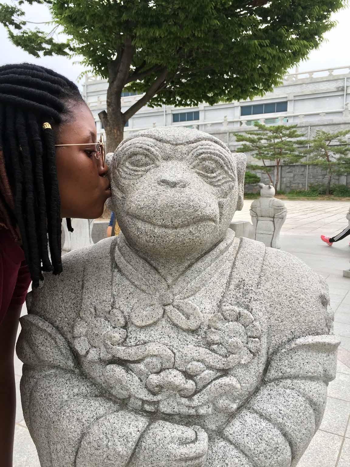 korea statue