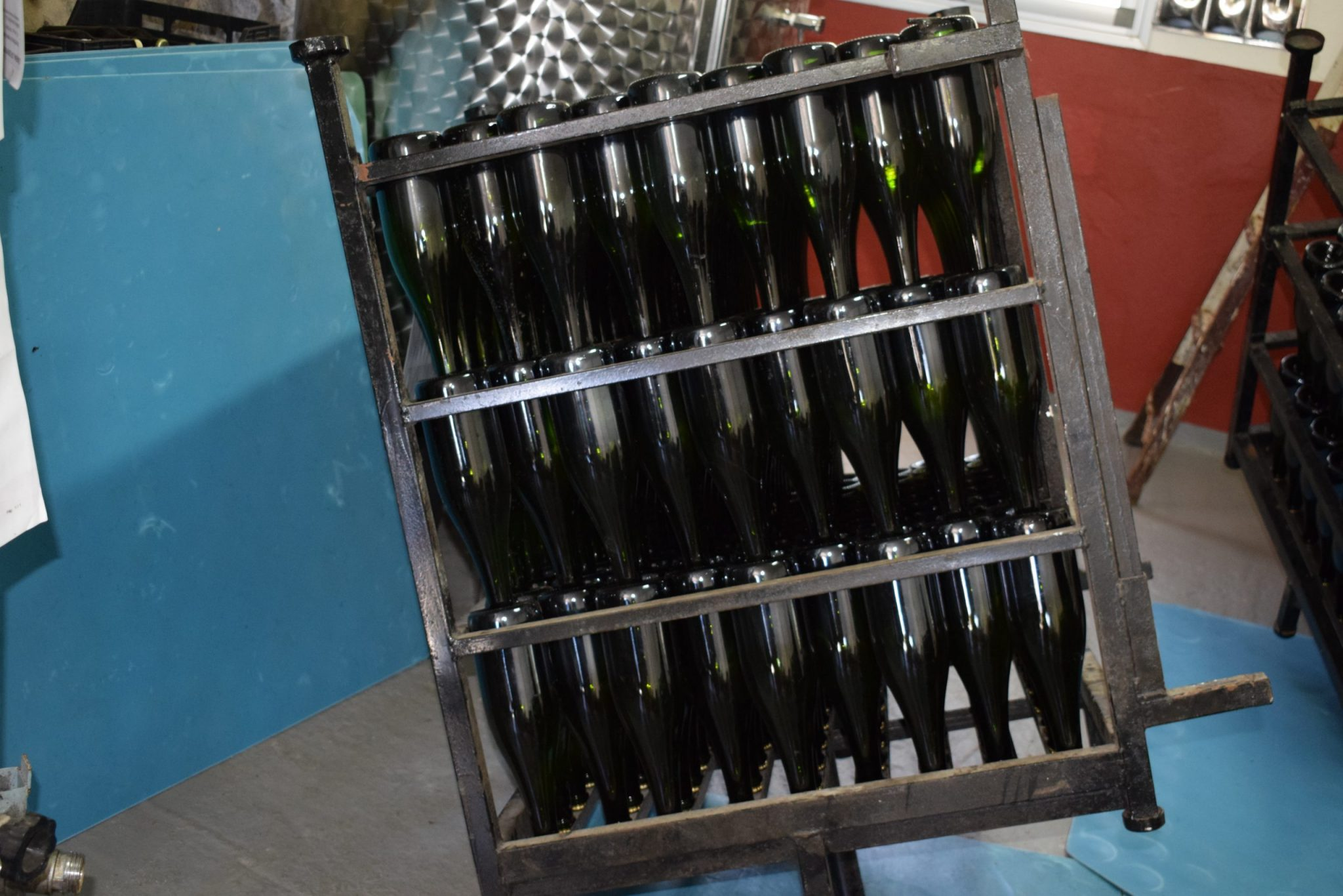 A way to pack bottles of cider.