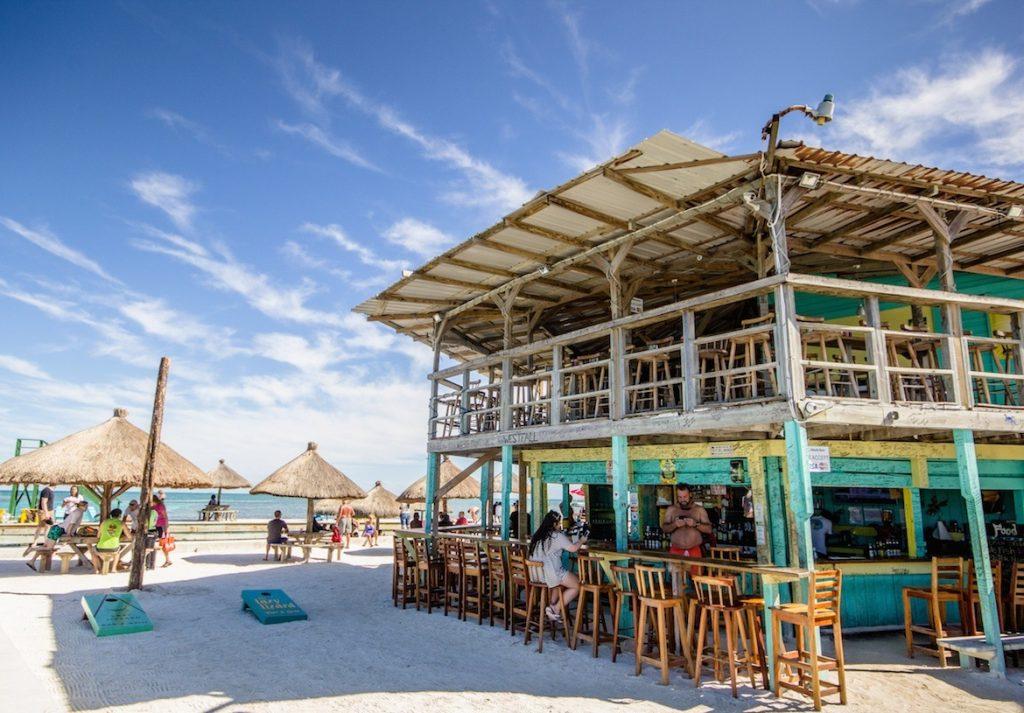Lazy Lizard Beach Bar, Belize