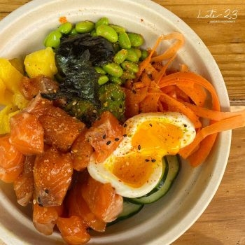 A bowl with vegetables and a hard-boiled egg from Lote 23, one of the best places to eat in San Juan