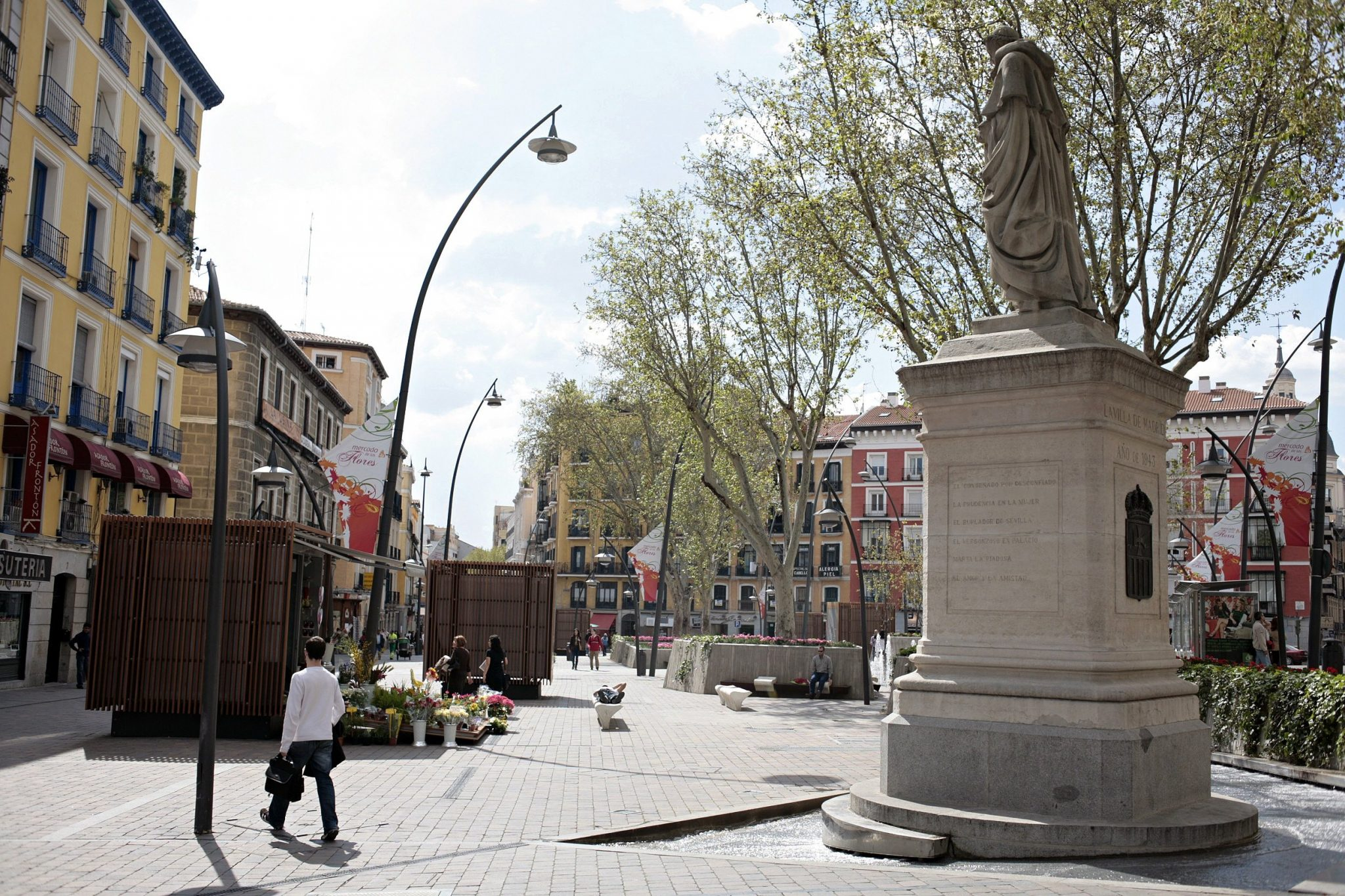 Being an expat in Madrid means walking the Plaza de Tirso de Molina in person (and often).