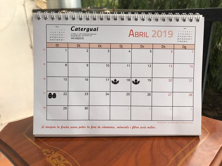 Valenciano language calendar themed on nutrition