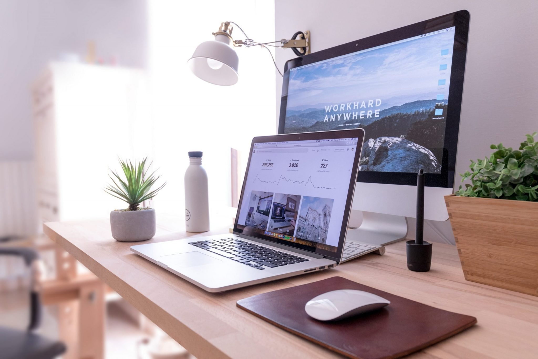 Image of a laptop and monitor